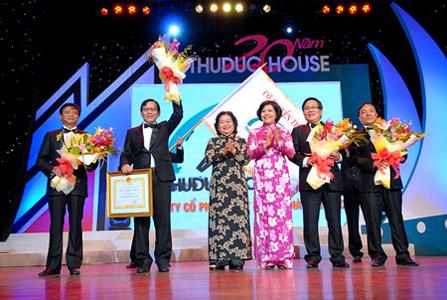 Thuduc House đón nhận Huân chương LĐ hạng III