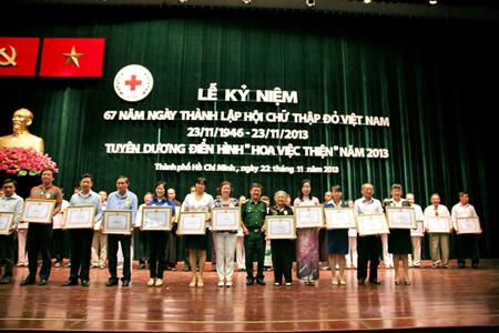 TDH nhận bằng khen của Hội chữ thập đỏ Việt Nam
